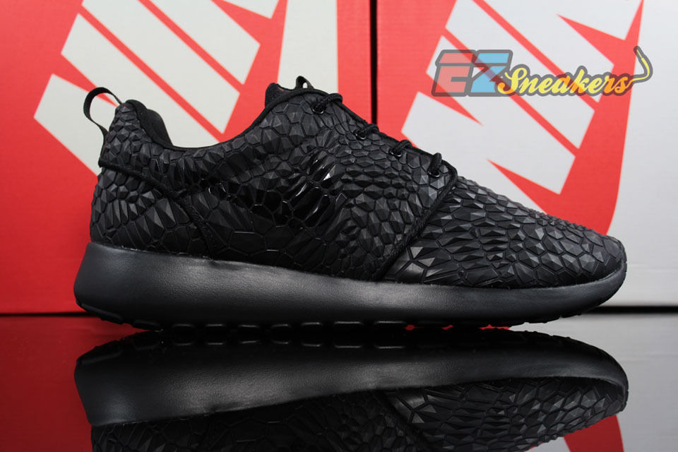 a0f3b80e1ee2 nike womens roshe one dmb triple black 807460-001 new size  11.5 12