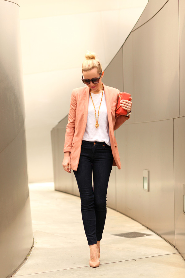 brooklyn blonde jacket jeans t-shirt shoes jewels bag sunglasses