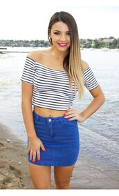 top,blue and white stripes,striped top,off the shoulder top,fitted top,blue and white,www.ustrendy.com