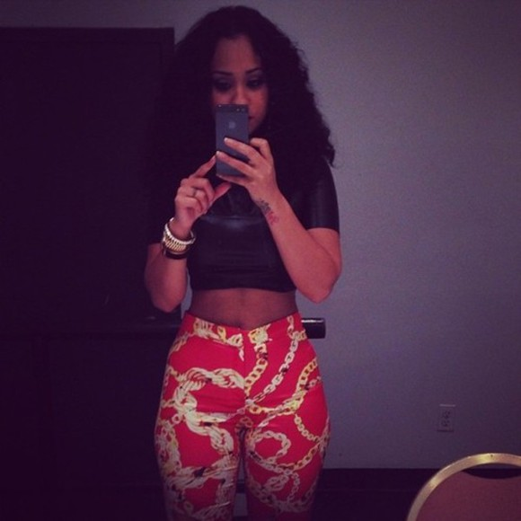 pants red pants crop tops red jeans gold chain chain pattern gold chain print chain print high waisted jeans body