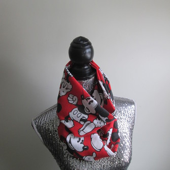 red scarf mickey mouse infinity circle figure 8 disney gift scarf red