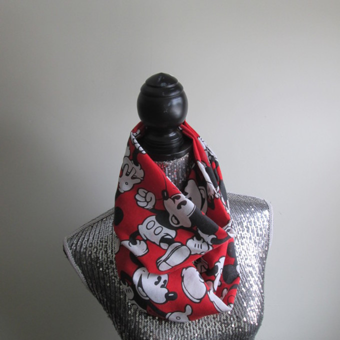 gift circle infinity mickey mouse figure 8 disney scarf red