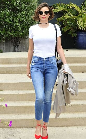 top jeans choker necklace pumps skinny jeans miranda kerr spring spring outfits shoes
