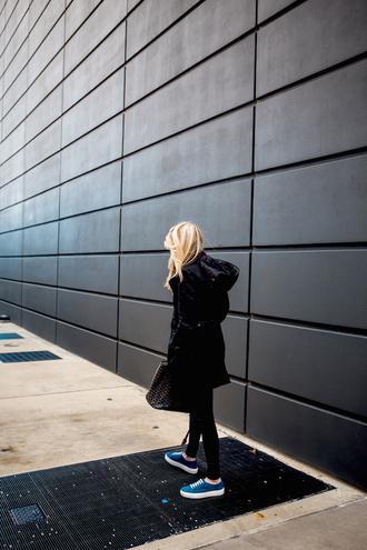 krystal schlegel blogger shoes jacket sweater leggings