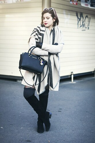 coat tights socks bag sunglasses gloves streetstyle boots