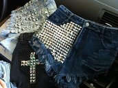 shorts,short,studs,denim,denim shorts,cross,studded