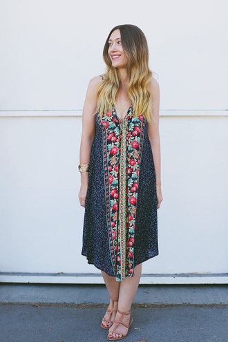 girl and closet blogger dress jewels shoes floral dress maxi dress v neck v neck dress