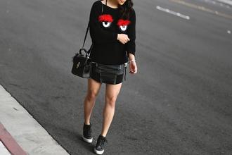 theversastyle blogger sweater skirt bag shoes black sweater mini skirt sneakers black bag