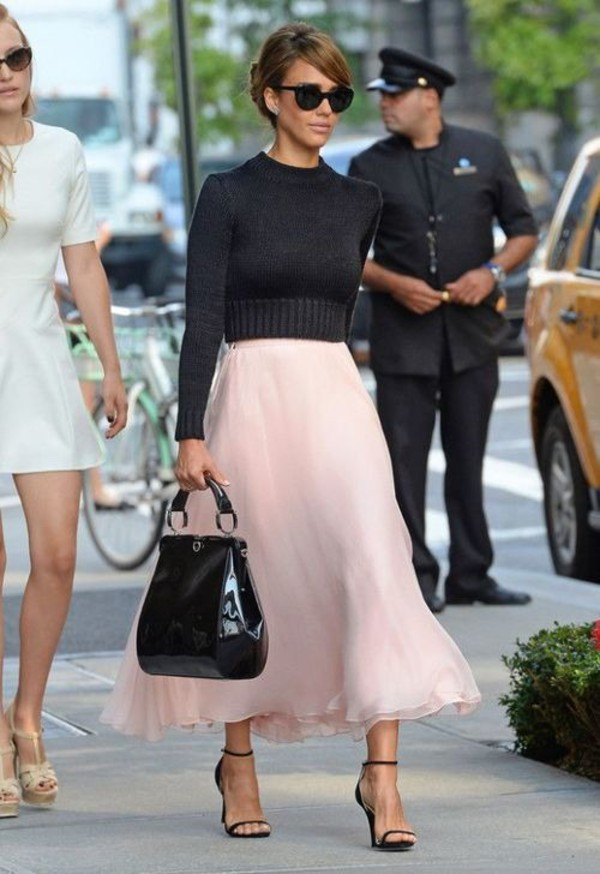 clothes celebrity style sweater black cropped sweater skirt long skirt nude crop cropped pullover pull celebrity style sunglasses bag sandal heels shoes round sunglasses jessica alba