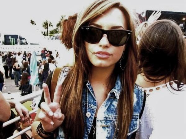 sunglasses demi lovato black sunglasses