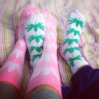 socks puff pink