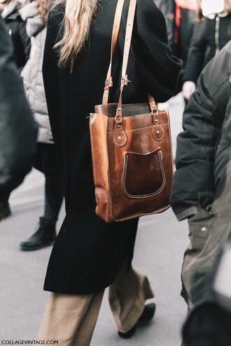 bag tumblr fashion week 2017 streetstyle brown bag tote bag leather bag leather tote bag brown leather bag coat black coat pants nude pants wide-leg pants