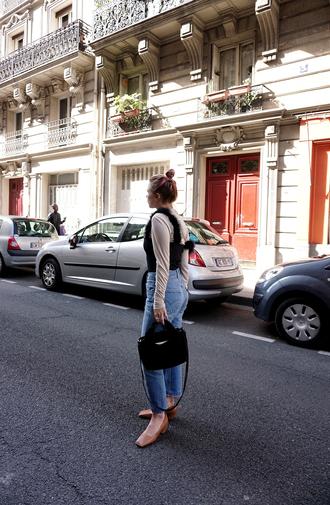 always judging blogger top jeans bag shoes handbag mid heel pumps