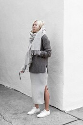 sweater,grey knit skirt,tumblr,grey sweater,skirt,maxi skirt,maxi knitted skirt,grey skirt,knitted skirt,knitwear,slit skirt,sneakers,low top sneakers,scarf,all grey everything,grey scarf