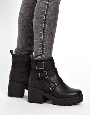 New Look Compact Black Chunky Strap Detailed Boots at asos.com
