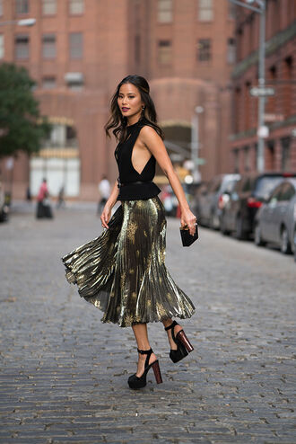 skirt metallic midi skirt blogger jamie chung top sandals platform sandals metallic pleated skirt black top platform heels classy date outfit