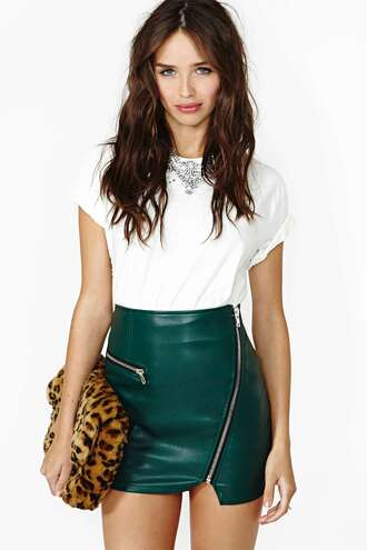 skirt sassy slammin tight up skirt sassy mini skirt green skirt leather skirt bag animal print bag top white top necklace choker necklace