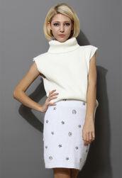 sweater,white,sleeveless,knitwear,turtleneck,jumper