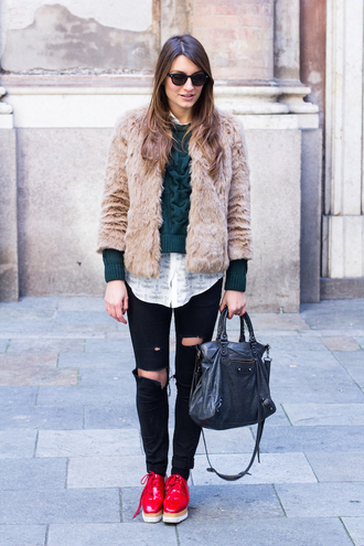 style and trouble blogger sweater red platform shoes forest green faux fur jacket