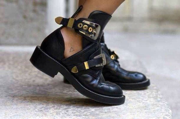 shoes kylie jenner cut out ankle boots