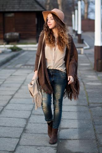 kolorowa dusza blogger shirt jeans cardigan hat shoes poncho fringes fringed bag