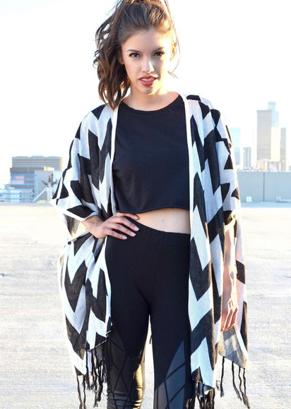 fringes cardigan kimono fringed kimono fringe kimono black and white black and white kimono chevron chevron print black and white chevron