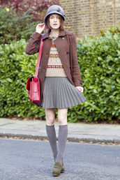 la petite anglaise,blogger,socks,60s style,loafers,pleated skirt,knitted sweater,hat,satchel bag,preppy