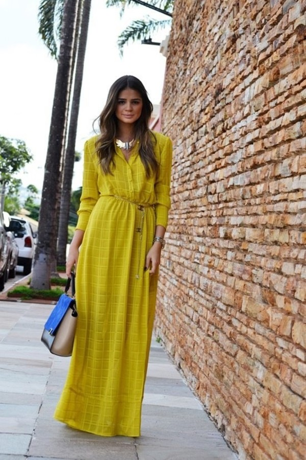 yellow dress l necklace