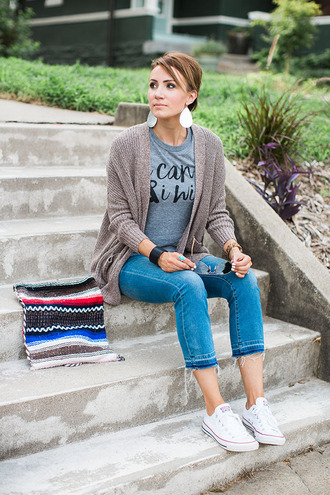 one little momma blogger shirt sweater jeans shoes bag jewels sunglasses blue top skinny jeans cardigan statement earrings
