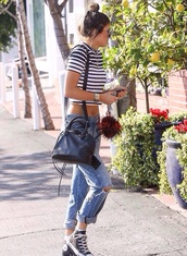 jeans,boyfriend jeans,shirt,stripes,black and white,short,striped shirt,kylie jenner,ripped jeans,blue jeans,streetstyle,t-shirt,top,ripped,bag