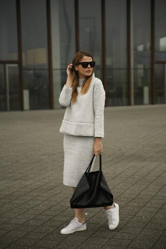 fashion zen blog blogger sunglasses midi skirt comfy cozy minimalist winter outfits sneakers leather bag zara adidas shoes stan smith celine bag
