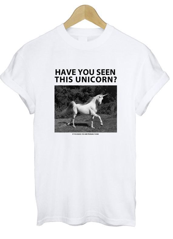Avezvous vu cet Licorne T Shirt par TeeIsland sur Etsy