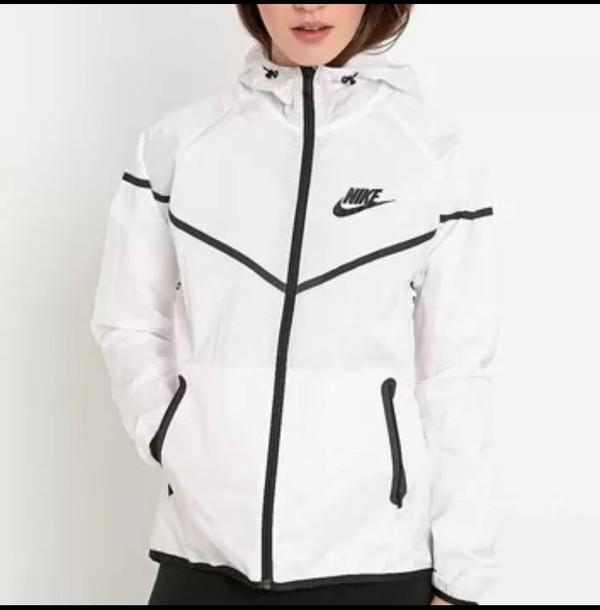563fbe417a106 Amazon.com: Nike Mens Tech Aeroshield Windrunner Jacket White/Black ...