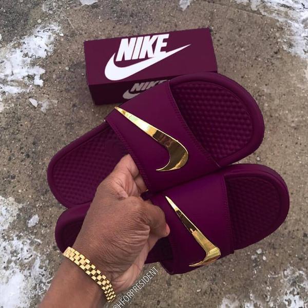Nike Benassi Velvet Golden Check Slides