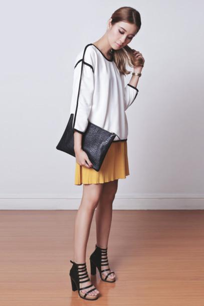 tricia gosingtian blogger skirt black heels white top mustard top bag shoes