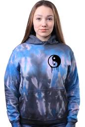 sweater,tie dye,tie dye sweater,tie dye sweatshirt,tie dye hoodie,hoodie,grunge,soft grunge,yin yang,peace sign,peace,sweatshirt,grunge wishlist,women,skater,skater girl