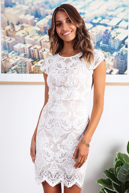 Lizzy Lace Dress - White - Stelly