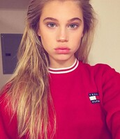 sweater,red,white,red sweater,hoodie,tommy hilfiger,instagram