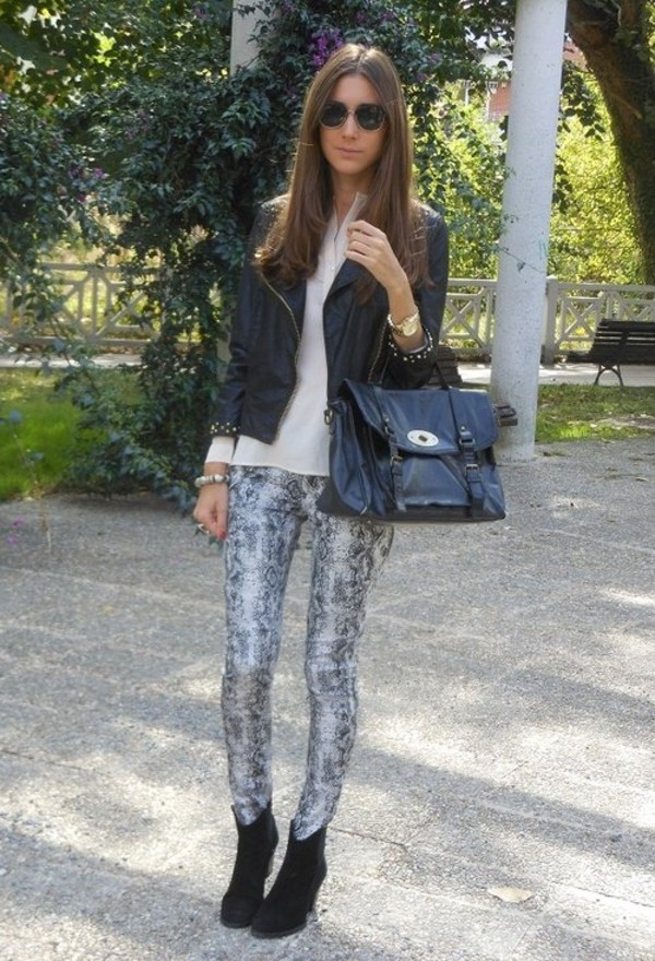 Fashion style How to python wear print pants for woman