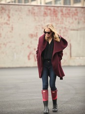 brooklyn blonde,blogger,coat,jeans,cable knit,wellies,burgundy,winter outfits,shoes,sweater,black cable knit sweater,burgundy coat,black sweater,denim,blue jeans,boots,winter look,hooded winter coat