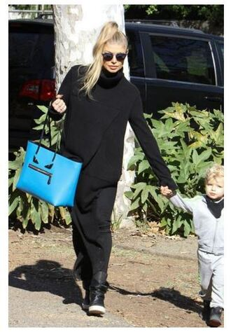 sweater turtleneck oversized sweater fergie fall sweater fall outfits all black everything bag boots scarf