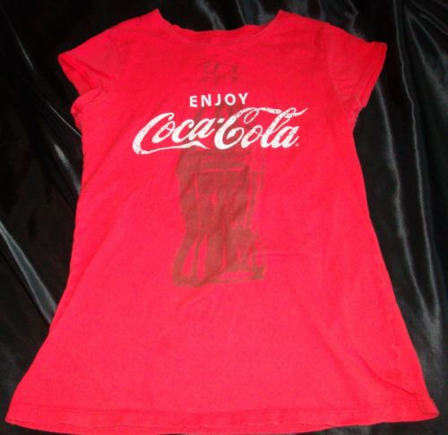 Great Condition Womens Juniors Coca Cola Red Graphic T Shirt Free Shipping | eBay