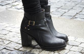 shoes shorts black shoes chanel blogger vintage clothes hippie high heels platform shoes wedges