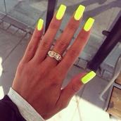 nail polish,neon,yellow,nails,summer outfits,jewels,ring