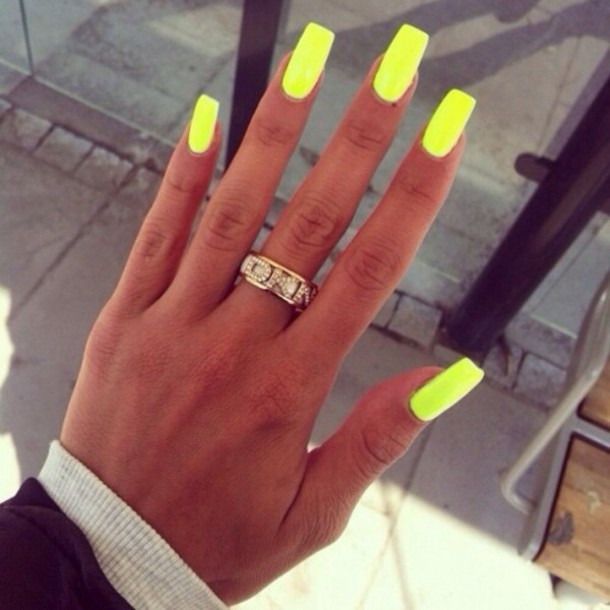 Nail polish: neon, yellow, nails, summer outfits, jewels ...