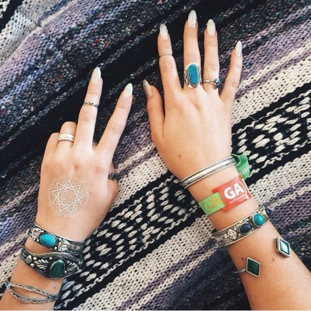 jewels ring ring silver bracelets jewels finger knuckle ring nails blue stones stone nice cute style fashion amazeballs