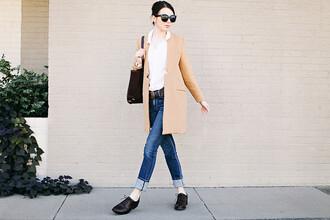 sea of shoes blogger jeans camel coat derbies