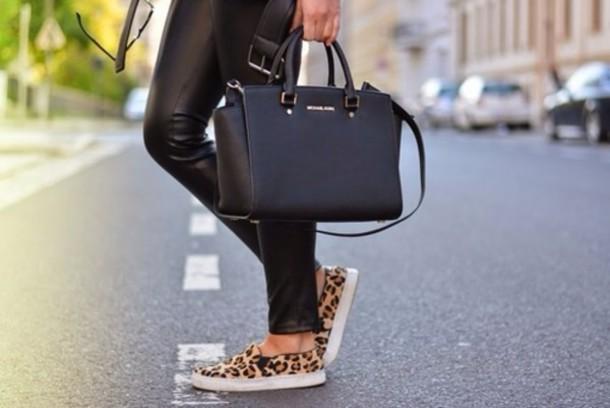 3453dbbb19 ... official bag michael kors michael kors bag handbag selma black gold  beautiful bags wheretoget 2a30e 240ea