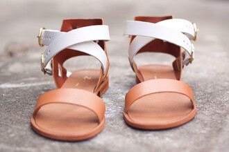 shoes sandals white straps chic summer flats pretty sandles white and beige zyne white and brown tan brown strappy