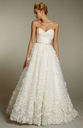 dress,wedding dress,wedding,long dress,bustier dress,bustier wedding dress,embroidered,sweetheart dress,sweetheart neckline,strapless dress,corset,white dress